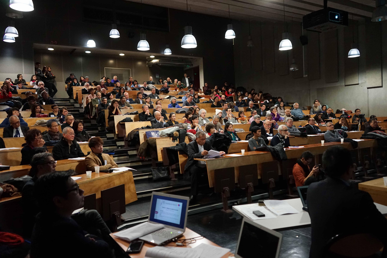 Echos et images du Colloque réussi 'Ensemble en France' du 12 décembre 2015 co-organisé par le MCFV et la Section d'Etudes Vietnamiennes de l'Université Paris Diderot